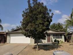 934 W Vieira Avenue, Tulare, CA 93274 (#142845) :: Robyn Graham & Associates