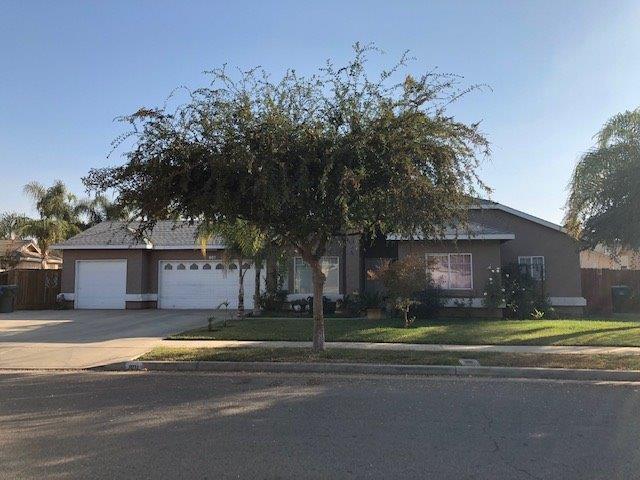 801 W Teddy, Farmersville, CA 93223 (#142974) :: Robyn Graham & Associates