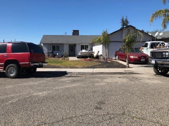 27 N Sierra Street, Porterville, CA 93257 (#144740) :: The Jillian Bos Team