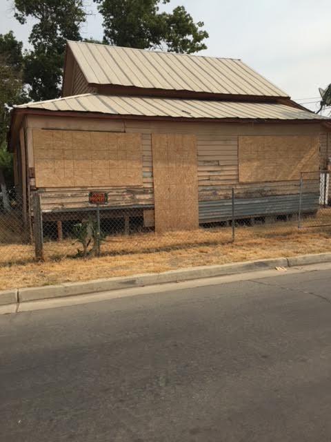 406 Homassel Avenue, Lindsay, CA 93247 (#146267) :: The Jillian Bos Team