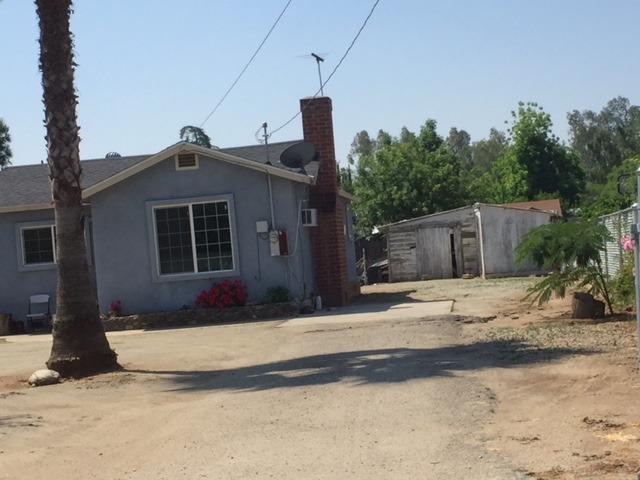 23181 Avenue 196, Strathmore, CA 93267 (#146340) :: The Jillian Bos Team