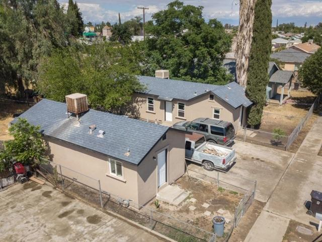 842 W Owens Avenue, Tulare, CA 93274 (#146471) :: The Jillian Bos Team