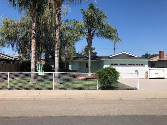 261 N Lombardi Street, Porterville, CA 93257 (#147398) :: Robyn Icenhower & Associates