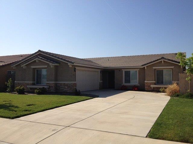 4135 E Hillcrest Avenue, Visalia, CA 93292 (#147665) :: The Jillian Bos Team