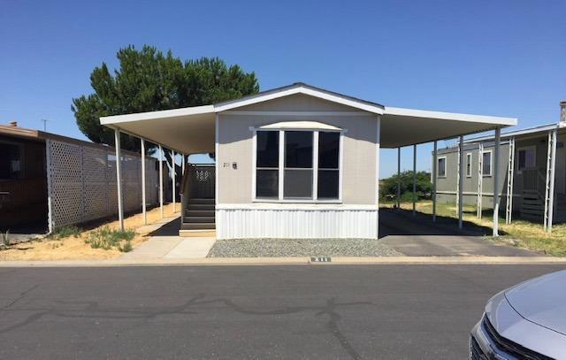 720 E Worth #211, Porterville, CA 93257 (#147825) :: Robyn Icenhower & Associates