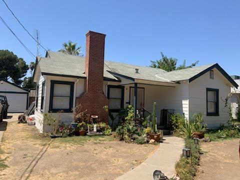 1402 Kaweah Street, Hanford, CA 93230 (#148360) :: The Jillian Bos Team