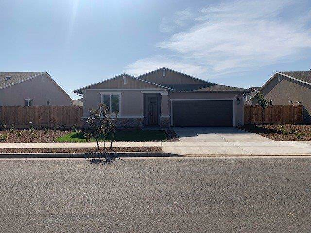 539 S Grand Street, Visalia, CA 93292 (#148681) :: The Jillian Bos Team