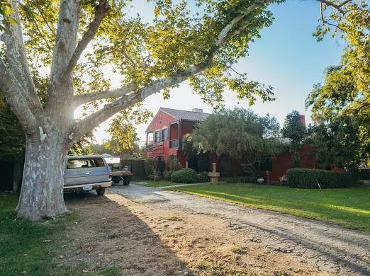 131 Carmelita Street, Porterville, CA 93257 (#200114) :: The Jillian Bos Team