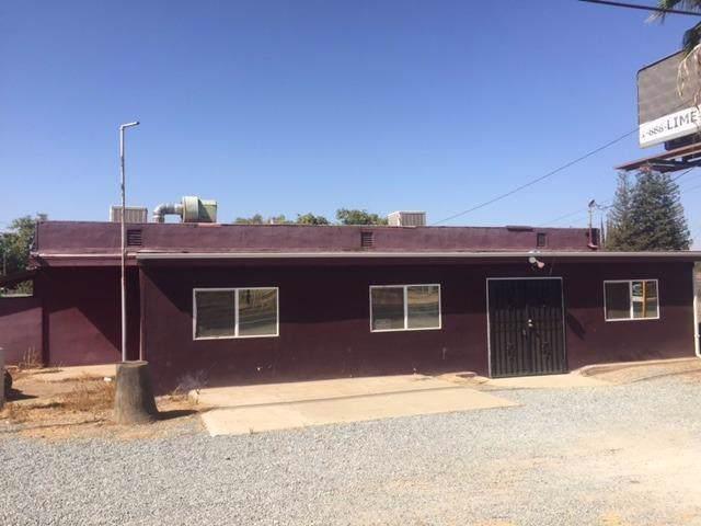 32375 Road 160, Visalia, CA 93292 (#200623) :: Martinez Team