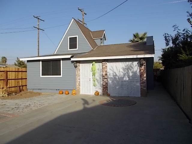 460 N Mirage Avenue, Lindsay, CA 93247 (#201333) :: Martinez Team