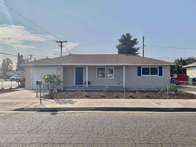 1625 E Sequoia Avenue, Tulare, CA 93274 (#201457) :: The Jillian Bos Team
