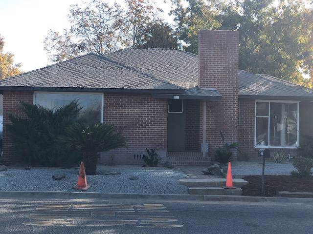 390 N Cypress Street, Woodlake, CA 93286 (#201505) :: Martinez Team