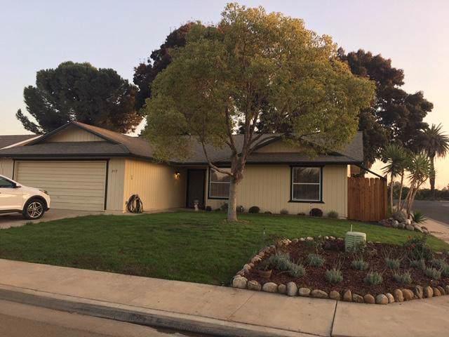 717 Sutter Avenue, Porterville, CA 93257 (#201534) :: The Jillian Bos Team