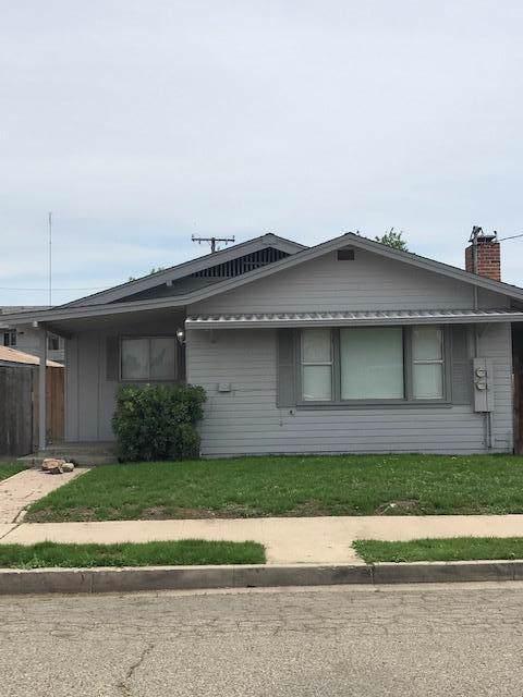 442 S Tipton Street, Visalia, CA 93292 (#202627) :: The Jillian Bos Team