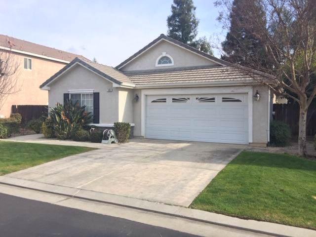 185 N Wathen Avenue, Clovis, CA 93611 (#202680) :: The Jillian Bos Team