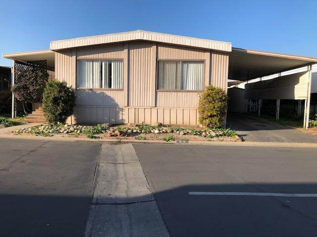 720 E Worth Avenue #33, Porterville, CA 93257 (#202976) :: Martinez Team