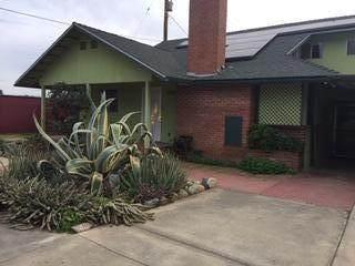 1260 Fresno Street, Lindsay, CA 93247 (#203725) :: The Jillian Bos Team