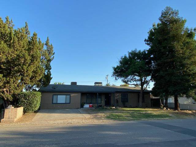 435 W El Rancho Avenue, Porterville, CA 93257 (#205354) :: Martinez Team