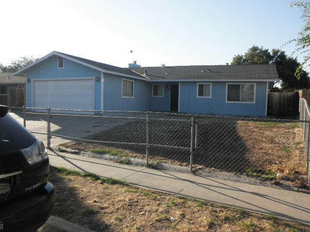 342 W Beechwood Drive, Tulare, CA 93274 (#205919) :: Anderson Real Estate Group
