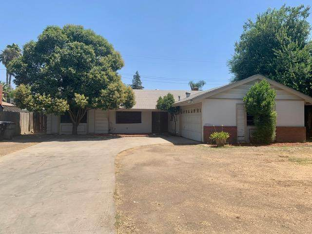 2716 S Fairway Court, Visalia, CA 93277 (#206079) :: Martinez Team