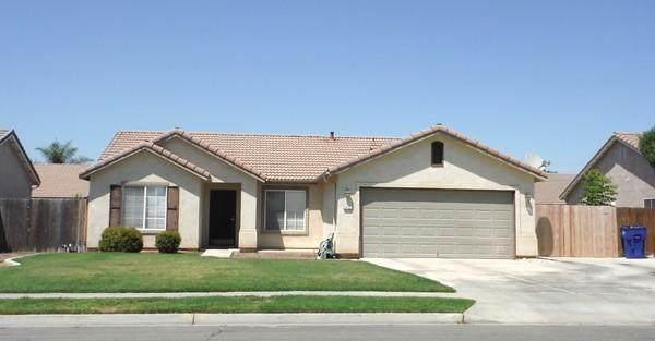 1452 Monarch Drive, Lemoore, CA 93245 (#206147) :: Martinez Team