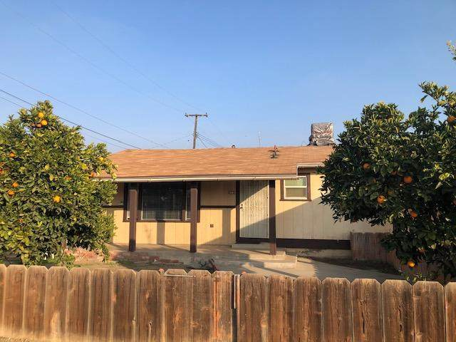 982 S Prospect Street, Porterville, CA 93257 (#208734) :: The Jillian Bos Team