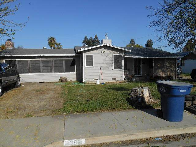 398 N Canby Street, Tulare, CA 93274 (#210156) :: The Jillian Bos Team
