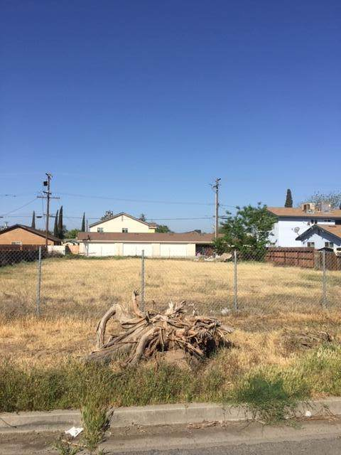 525 S I Street, Tulare, CA 93274 (#210342) :: Your Fresno Realty | RE/MAX Gold