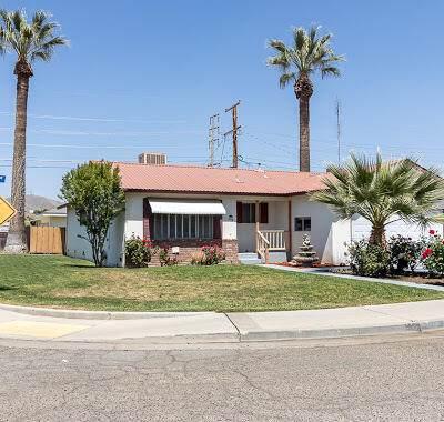 694 Dexter Avenue, Porterville, CA 93257 (#210398) :: Martinez Team