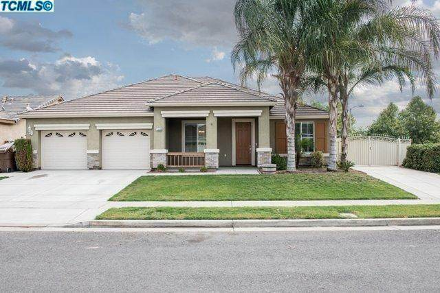 194 Johnson Street, Tulare, CA 93274 (#210648) :: The Jillian Bos Team