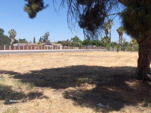 11741 11th Avenue, Hanford, CA 93230 (#210843) :: Your Fresno Realty | RE/MAX Gold