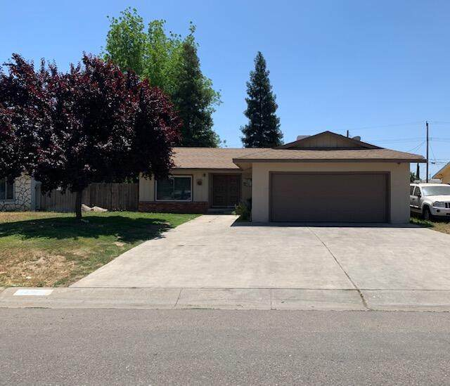 1439 W Wren Drive, Visalia, CA 93291 (#210898) :: Your Fresno Realty | RE/MAX Gold