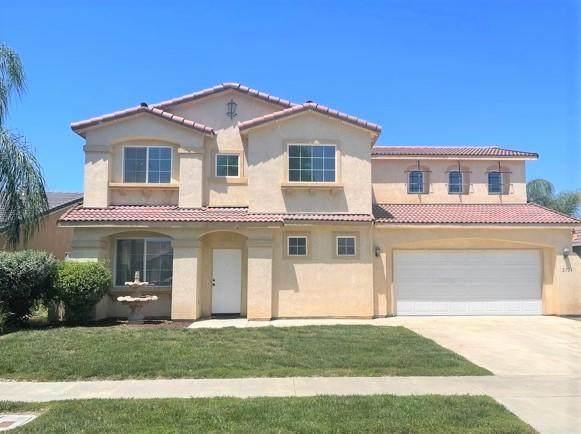 2724 Lakeridge Avenue, Tulare, CA 93274 (#210961) :: Martinez Team