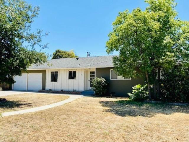 941 W Tulare Avenue, Visalia, CA 93277 (#211493) :: Robyn Icenhower & Associates