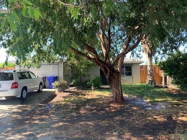 996 W Front Street, Farmersville, CA 93223 (#212372) :: Robyn Icenhower & Associates