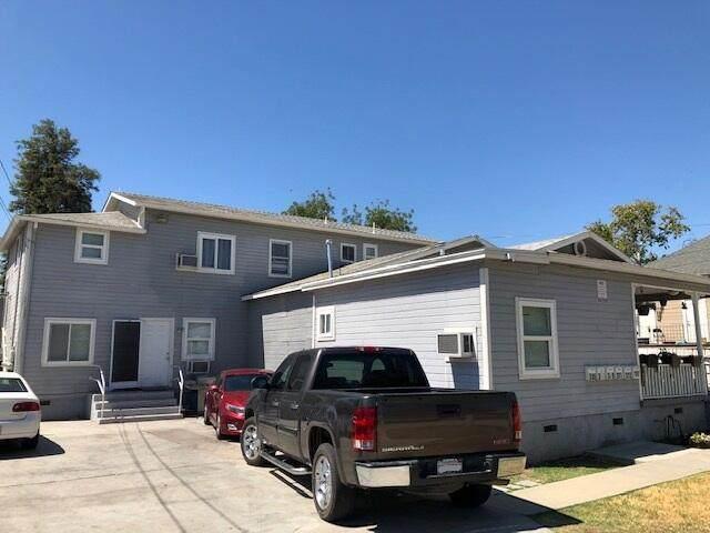 305 E Myrtle Street, Hanford, CA 93230 (#212424) :: Robyn Icenhower & Associates