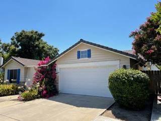 5444 W Sunnyside Court, Visalia, CA 93277 (#212491) :: Martinez Team