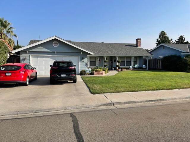 3116 W Ashland Avenue, Visalia, CA 93277 (#214002) :: Robyn Icenhower & Associates