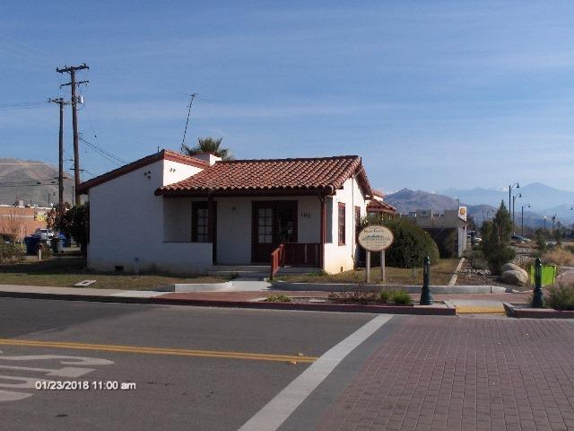 100 N Palm Street, Woodlake, CA 93286 (#135853) :: The Jillian Bos Team