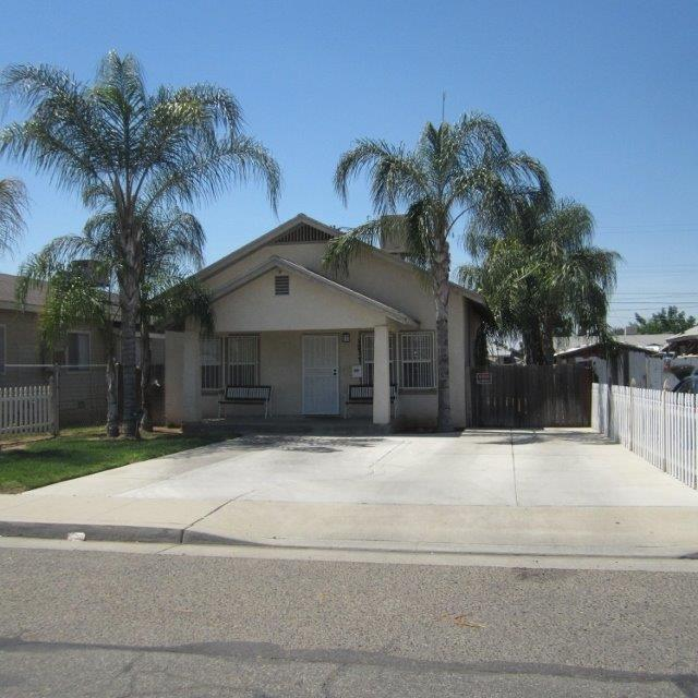 1277 S 2nd Avenue, Dinuba, CA 93618 (#145151) :: The Jillian Bos Team