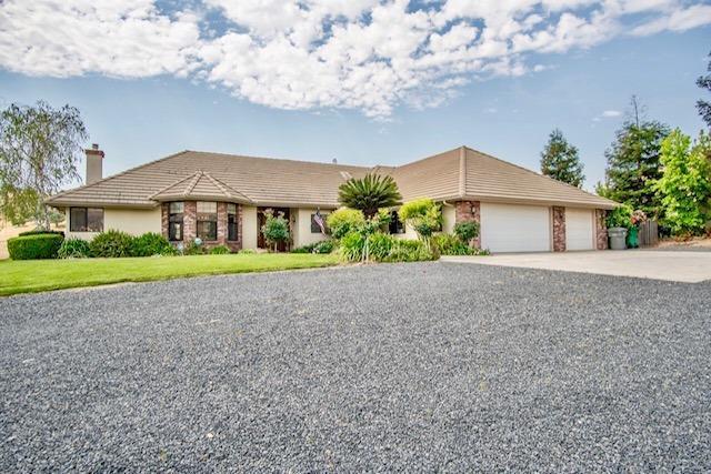 34861 Bogart Drive, Springville, CA 93265 (#146366) :: The Jillian Bos Team