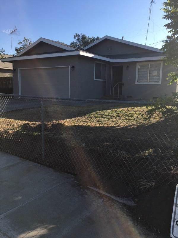 507 S Santa Clara Street, Tulare, CA 93274 (#147559) :: The Jillian Bos Team