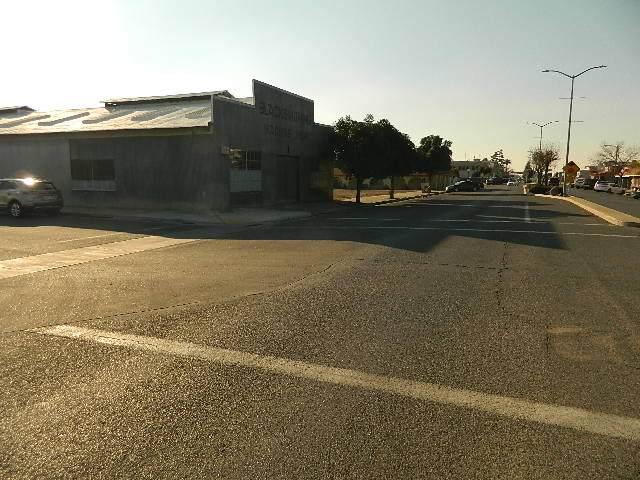 305 Park Boulevard - Photo 1