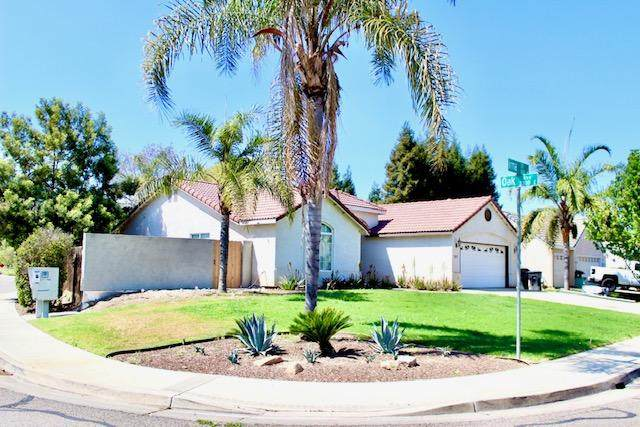 307 N Irma Street, Visalia, CA 93292 (#210208) :: The Jillian Bos Team