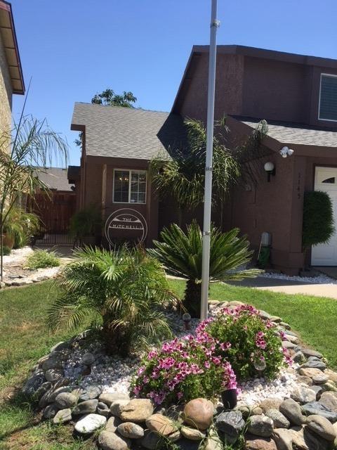 1145 E Ferguson Avenue, Visalia, CA 93292 (#138514) :: Robyn Graham & Associates