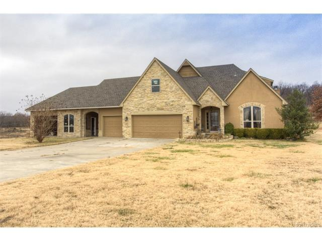 13592 S 321st East Avenue, Coweta, OK 74429 (MLS #1723233) :: The Boone Hupp Group at Keller Williams Realty Preferred