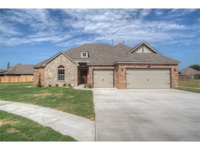 13504 S Oak Street S, Glenpool, OK 74033 (MLS #1723436) :: The Boone Hupp Group at Keller Williams Realty Preferred