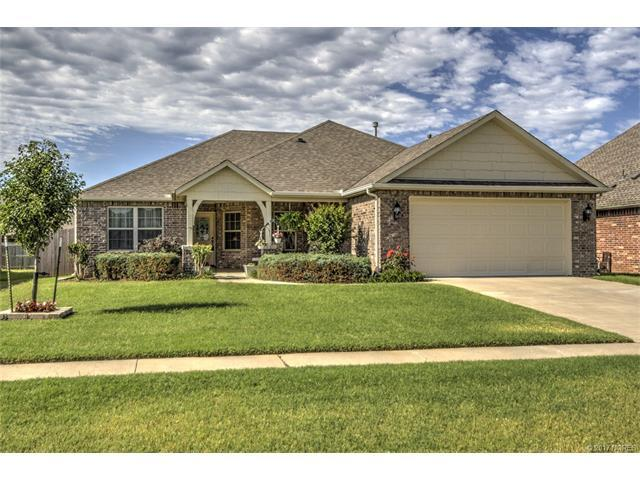 1290 W Ross Avenue, Sapulpa, OK 74066 (MLS #1723494) :: The Boone Hupp Group at Keller Williams Realty Preferred