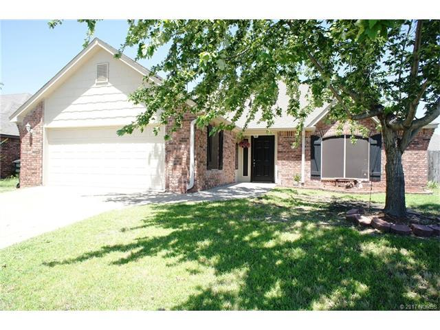 10735 E 120th Street N, Collinsville, OK 74021 (MLS #1723752) :: The Boone Hupp Group at Keller Williams Realty Preferred