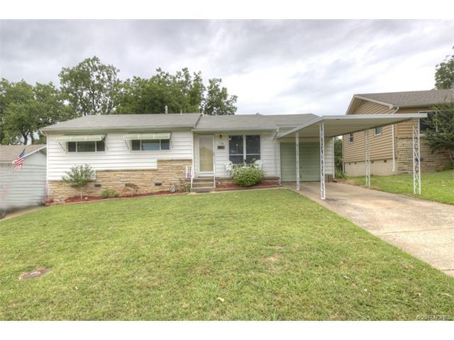 1108 N Maple Street, Sand Springs, OK 74063 (MLS #1724152) :: The Boone Hupp Group at Keller Williams Realty Preferred